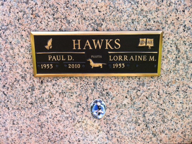 Gravemarker of Paul Hawks, liver donor, died 2010